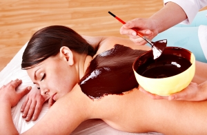 Masaje de cuerpo entero de 1 hora + envoltura de chocolate o algas marinas 40 minutos