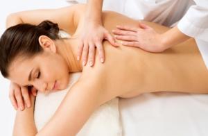 Masaje relajante de cuerpo entero de 50 minutos.