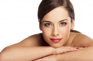 Radiofrecuencia facial, ácido hialurónico o toxina botulínica, peeling, mascarilla y limpieza