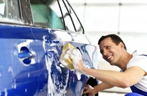 Limpieza exterior e interior del vehículo con cera. Opción lavado tapicería
