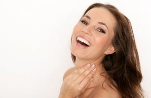 Completo tratamiento facial: Limpieza, hidratación con colágeno, ultrasonido facial y masaje