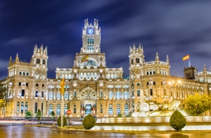 Escapada a Madrid + Parque Warner 1 o 2 noches