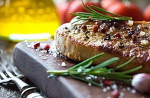 Exquisito menú: Pulpo frito y solomillo ibérico al aroma de romero