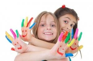 Animación fiesta infantil con globoflexia,  maquillaje, coreografías y talleres