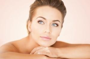 Peeling facial con tratamiento reafirmante Indiba y alta cosmética.