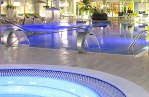 Completo menú y sesión termal en Augusta Spa Resort**** Superior.