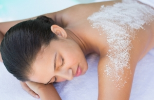 Peeling corporal, envoltura y masaje. Cuida tu piel este verano!