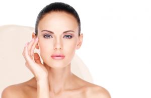Lifting facial japonés, masaje kobido e higiene facial con alta cosmética Matis