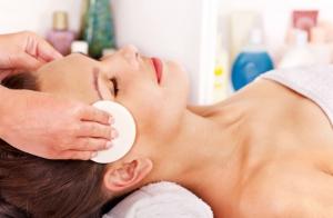 Hidratación facial y mascarilla: Ilumina tu rostro